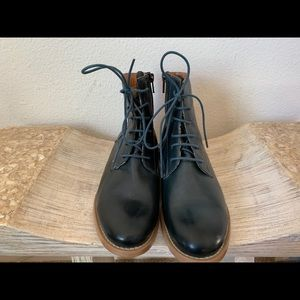 Shoes - Navy blue leather boots - Made in Portugal!